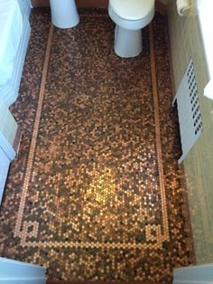 Penny floors of copper pennies, how to install penny floor or make penny floor and penny flooring from penny round tile of copper pennies or coins and cents, penny tiled floor, penny tile floor, cooper tiles with stylish designs and ideas Penny Boden, Penny Floor Designs, Penny Tile Floors, Bathroom Flooring, Wood Flooring, Flooring Ideas, Home Design, Design Ideas, Interior Design