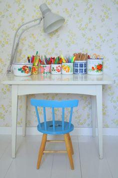 Children's creative corner, Helmen talo - gorgeous practical use of tins.