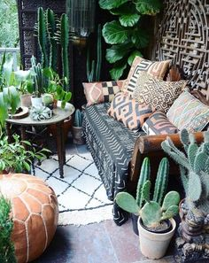 Inspiring Boho Chic Outdoor Spaces Perfect patio for lazy summer nights. patio for lazy summer nights. Decor, Furniture, Perfect Patio, Interior, Home Decor, Home Deco, Bohemian Patio, Interior Design, Apartment Balcony Decorating