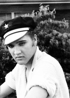 Elvis photographed by Marvin Israel, May 1956.