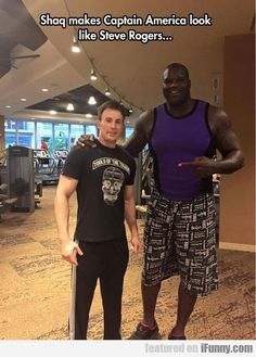 America, chris evans, and funny: shaq makes captain america look like steve rogers Marvel Funny, Marvel Memes, Marvel Dc Comics, Steve Rogers, Chris Evans Funny, Shaquille O'neal, Chris Evans Captain America, Capt America, Natasha Romanoff