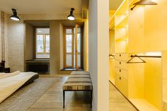 Четырёхкомнатная квартира наОстоженке скрасным холодильником и медными трубами. Изображение № 13.