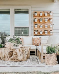 Rustic Home Interior Our Faux Farmhouse DIY Succulent Wall Outdoor Spaces Decor.Rustic Home Interior Our Faux Farmhouse DIY Succulent Wall Outdoor Spaces Decor Diy Garden Furniture, Outdoor Furniture Sets, Rustic Furniture, Furniture Layout, Antique Furniture, Furniture Decor, Furniture Design, Pallet Furniture, Furniture Projects