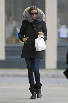 Olivia Palermo Photos - Olivia Palermo, bundled up in a Woolrich winter coat, grabs some breakfast and coffee in New York City. - Olivia Palermo Bundles Up in NYC Olivia Palermo Outfit, Estilo Olivia Palermo, Olivia Palermo Lookbook, Olivia Palermo Style, Fall Winter Outfits, Winter Wear, Autumn Winter Fashion, New York February, February 1