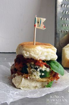 #MeatlessMonday just got better with these zucchini parmesan sliders!