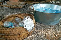 detalle_rincon_limondaPOST6__las_tres_sillas Bucket, Wedding Decoration, Chairs, Buckets, Aquarius
