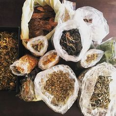 Herbs leafs and barks colletion #amazonsecretsspa #amazonsecrets #terapiasnaturales #greenlove #botanika #farmacianatural #spa #sheilafarah #puntadeleste #buenosaires https://www.instagram.com/amazonsecrets/ http://amazonsecretsspa.com/ www.amazonsecretsspa.com