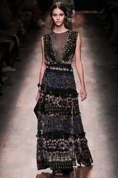 ::: if the fairies of the forest made you a dress, this is what it would look like ::: Valentino Spring 2015 r2w :::