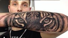 I think this is the coolest tattoo sleeve I ever seen..