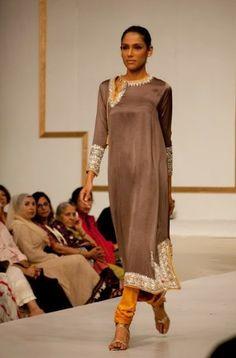 Nida Azwer 2013 Debut Fashion Show Collection 21 Pakistani Couture, Pakistani Outfits, Indian Outfits, Indian Attire, Indian Wear, Indian Style, Bold Fashion, Asian Fashion, High Fashion