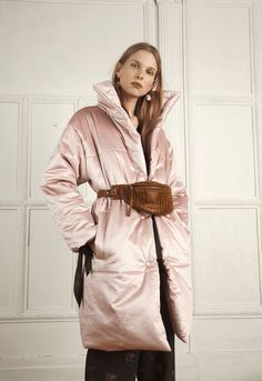 See all the Collection photos from Nanushka Autumn/Winter 2017 Ready-To-Wear now on British Vogue Fashion 2017, Fashion News, Winter 2017, Fall Winter, Fall Shows, Paris Shows, Oversized Coat, Spring Summer 2018, Look Cool
