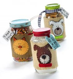 Surprise a pet lover with these adorable treat mix jars. Fill with their pets' favorite treats or the ingredients to...