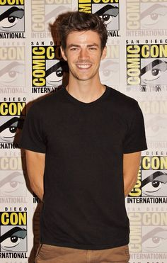 grant gustin pics (@gustinpictures) | Twitter