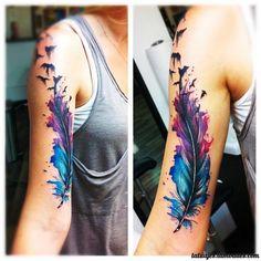 Los Tatuajes de Plumas es uno de los más buscados dado su simbolismo cultural y patrimonial. El tatuaje de la pluma viene en diferentes estilos y diseños