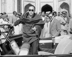 Dalai Lama w/ Ray-Ban.