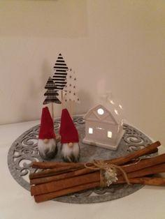 Joulu, tonttu, lyhty, joulu sisustus. Koti, Christmas Ornaments, Holiday Decor, Home Decor, Decoration Home, Room Decor, Christmas Jewelry, Christmas Decorations, Home Interior Design