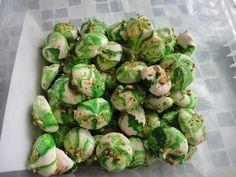 Pistaasipähkinämarenki Artichoke, Sprouts, Vegetables, Food, Artichokes, Essen, Vegetable Recipes, Meals, Yemek