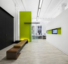 Tons of bureau interior inspiration on the OFFICE DESIGN GALLERY