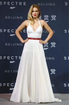 Winter White, Selena Gomez-Style - Léa Seydoux in Prada and Chopard