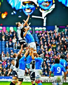 """""""E' con una touche che l'uomo ha imparato a volare"""" Rugby"""