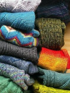 5 free sock patters: beginner socks by Louise tilbrook