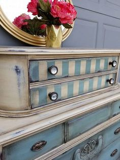 Shabby chic furniture ideas simply collection a dresser painted idea Chalk Paint Furniture, Funky Furniture, Shabby Chic Furniture, Furniture Projects, Furniture Makeover, Reclaimed Furniture, Refurbished Furniture, Farmhouse Furniture, Repurposed Furniture