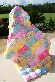 "Easy step by step tutorial for a puffy ""biscuit"" quilt. I can't wait to make one for my daughter!"