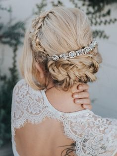 "Wedding Hair Accessories, Bridal Comb, Bridal Hair Accessories, Bridal Headpiece ~ ""Collette"" Wedding Hair Pin in Silver or Gold Vintage Wedding Hair, Wedding Hair Pins, Short Wedding Hair, Wedding Hair And Makeup, Wedding Updo, Trendy Wedding, Bush Wedding, Luxury Wedding, Bridal Comb"