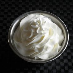 Food Pusher: Stabilized Whipped Cream Frosting Stabilized whipped cream frosting - ever wonder how bakeries use real whipped cream but it doesn't fall apart? This is how. * I just add 1 tablespoon instant pudding per 1 cup heavy cream and whip. It will hold forever.