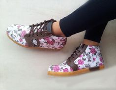 handmade ankle boots Roses canvas shoes made by MarapulaiClothing