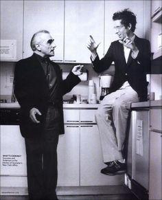 """Martin Scorsese y Wes Anderson en la cocina de Michael Bay midiéndose respectivamente el tamaño de sus """"carreras""""."""