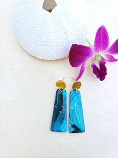 Teal/Gold Geometric Alcohol Ink Earrings - Hand Crafted - Gold Plated - Modern - Geometric - Statement Earrings - Jenn Robertson Art Alcohol Ink Jewelry, Teal And Gold, Beautiful Earrings, Statement Earrings, Original Art, Dangles, Handmade Items, Plating, Butterfly