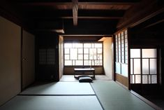 Japanese Style House, Traditional Japanese House, Japanese Homes, Asian Interior, Japanese Interior, Black Building, Building A House, Japanese Architecture, Interior Architecture
