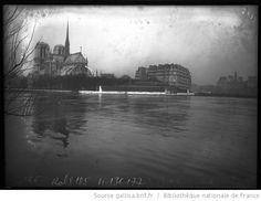 Inondation, 29/1/1910, Paris [vue sur Notre-Dame, 4e arrondissement] : [photographie de presse] / [Agence Rol] - 1