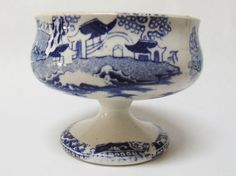 SCARCE ENGLISH BLUE WILLOW PATTERN PEDESTAL OPEN SALT CELLAR DISH STAFFORDSHIRE