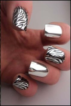 CHROME nails with alternating fingers & black striped Zebra Nail Art - Animal print stripes Minx Nails, Hot Nails, Gorgeous Nails, Pretty Nails, Crome Nails, Crome Nail Polish, Gel Polish, Zebra Nail Art, Metallic Nail Polish