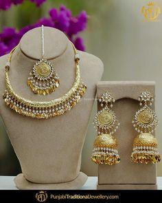 Antique Jewellery Designs, Gold Jewellery Design, Handmade Jewellery, Silver Jewelry, Indian Jewelry Sets, Silver Jewellery Indian, Punjabi Traditional Jewellery, Rajputi Jewellery, Bridal Jewelry