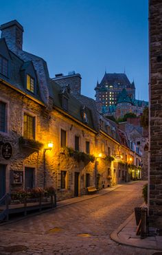 Photographing a City's Architecture  Michael Snell highlights a true sense of place in Kansas and Quebec City with the Tamron 18-270mm VC PZD lens.