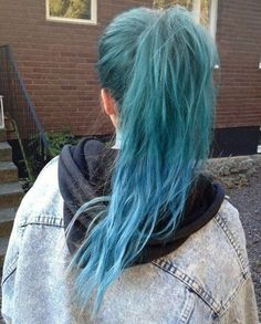 Teal blue ombre hair color for gray hair,light blue, green and gray the effect is so amazing~