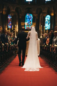 #wedding #pictures #ceremony #walk #bride #bridal #veil #church #father #photography #edopaul