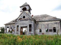 Abandoned school building outside Bradford, Illinois.