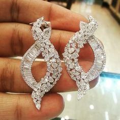 dhakandubaimallBeautiful Designed Diamond Earring! For details please WhatsApp +971507494260 / Kik - dhakandubaimall