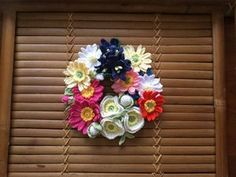 ☆ ハンドメイド レース編み お花のシュシュ ☆_1 Crochet Flowers, 4th Of July Wreath, Hanukkah, Wreaths, Handmade, Decor, Hand Made, Decoration, Door Wreaths