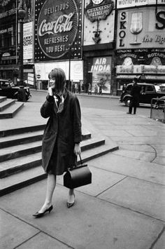 ladiesofthe60s:  Françoise Hardy in London, March 23, 1963.