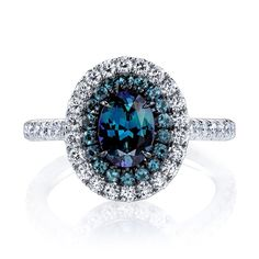 Omi Prive - Alexandrite and diamond ring