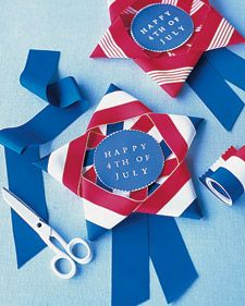 Red, White, and Blue Ribbon Stars - Martha Stewart Crafts (these would make cute medals if you were doing races etc. Patriotic Party, Patriotic Crafts, July Crafts, 4th Of July Celebration, 4th Of July Party, Fourth Of July, Blue Ribbon Award, Yankee Doodle Dandy, Daisy