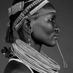 """thisbeadifulworld: """" Portrait, south Ethiopia by Isabel Munoz """""""