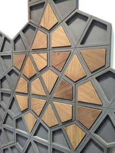 The amazing art of geometric wood design /. -Nice The amazing art of geometric wood design /. Metal Tree Wall Art, Diy Wall Art, Metal Wall Art, Wood Art, Concrete Tiles, Concrete Design, Wood Design, Wood Wall Tiles, Fabric Design