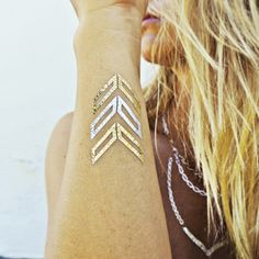The Flash Tattoos Lena collection features minimalist, geometric jewelry styles - perfect for trying out the trend!