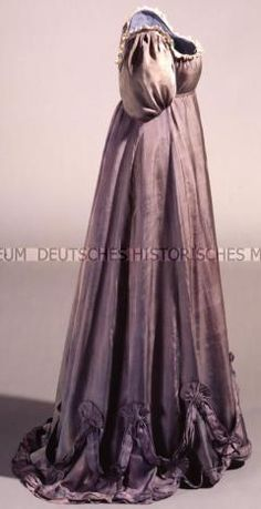 Blue-grey silk gown. c1806-1810 Deutsches Historisches Museum. Belonged to Königin Luise